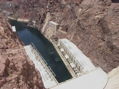 Copy of 5383 dam powerplants from top of dam