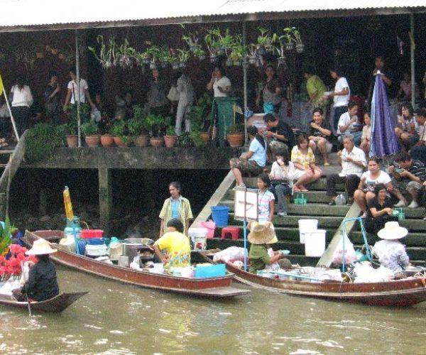 IMG_3937 floating market scene