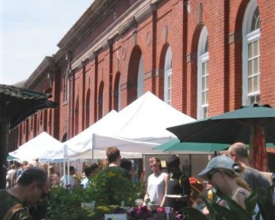 IMG_8310 Eastern Market, north exterior w people