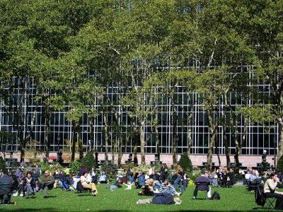 img 0093D Bryant Park lawn sunny bldg & trees background (+)